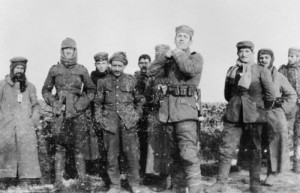 The 1914 Truce : British & German Soldiers share cigarettes