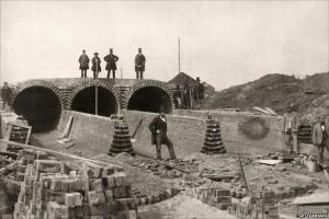 Constructing London's Sewage System