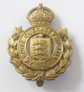 royal-guernsey-militia-cap-badge