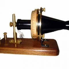How did the First Telephone System Work : Diaphragms, Bells & Switches