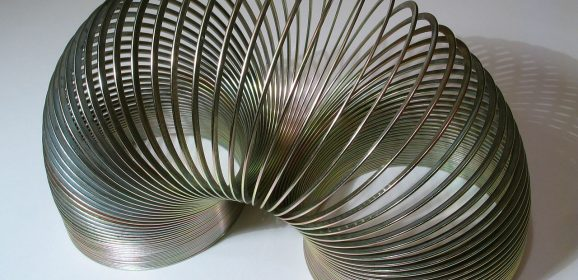 The Joy of Slinky – The Physics of a Metal Marvel